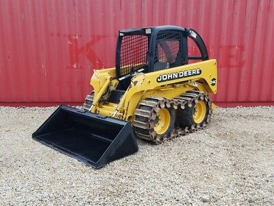 John Deere 240 Skid Steer loader with Steel Track brand new bucket