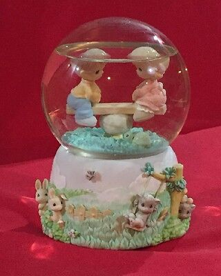 """Precious Moments Wind-Up Snow Globe plays """"While Walking in the Park One Day"""""""