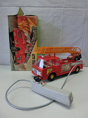 altes Feuerwehrauto Auto-Pompiers Joustra Made in France, Blechspielzeug #1070