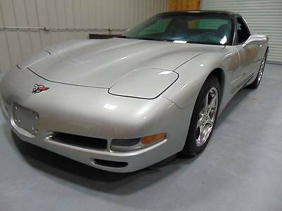 2004 Chevrolet Corvette Base 2dr Coupe 2004 Chevrolet Corvette 48k Low Miles Glass Roof Clean Carfax No Reserve!!!