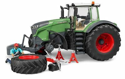 New Bruder Fendt 1050 Vario Tractor With Accessories 4000 Series Play Toys Kids