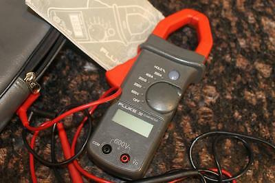 Fluke 30 Clamp Multi Meter with Leads Case and Manual