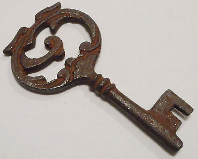 Antique Vintage Skeleton Key REPRODUCTION Cast Iron SteamPunk Jewelry Crafts ><>