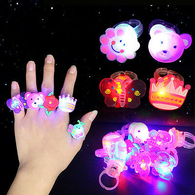 10pcs/lot Kids Child LED Light Up Flashing Finger Rings Glow Party Favors New