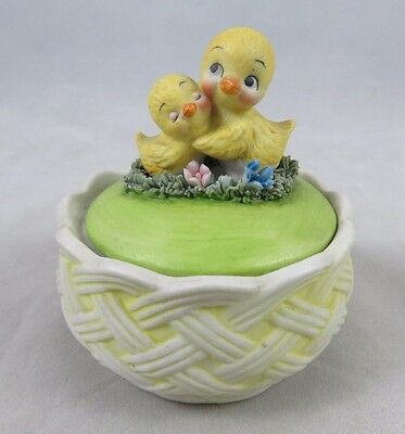 Vtg Baby Chicks with Flowers - Trinket Box - Ceramic - Easter