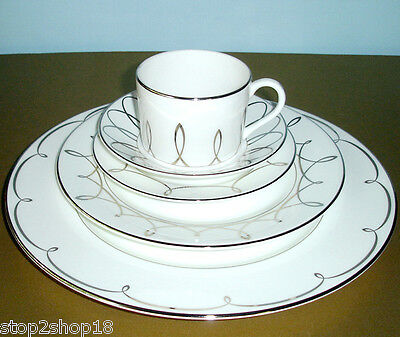 Waterford LISMORE ESSENCE 5 Piece Place Setting Dinnerware New Boxed
