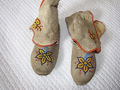 Blackfoot Childs Beaded Hide Moccasins