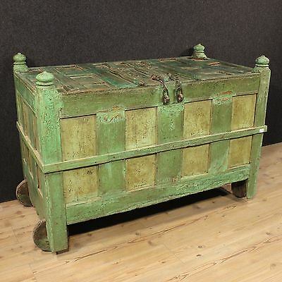Chest antique trunk Indian furniture lacquered wood sideboard 800 19th century