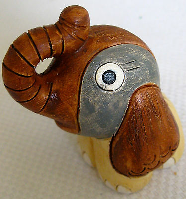Collectable Retro Pottery Elephant Figural Ornament (433)
