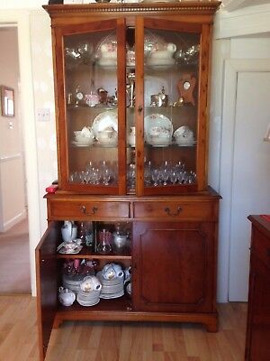 Yew Display Cabinet, Shapes of Edinburgh