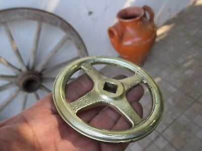 ANTIQUE OR VINTAGE WHEEL BRASS WATER VALVE SPIGOT HANDLE KNOB DIAMETER 10,5 cm