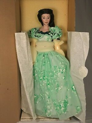 """Vivien Leigh as Scarlett O'Hara '""""Gone With the Wind"""" doll complete new"""