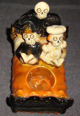 Yankee Candle Boney Bunch  Boney Couple in Bed Candle Holder