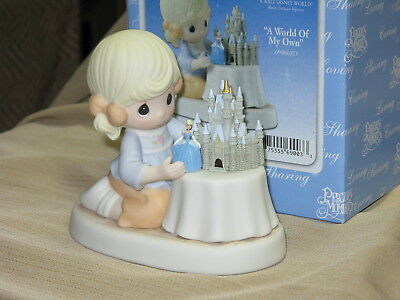A Walt Disney World Resort Exclusive PRECIOUS MOMENT A WORLD OF MY OWN - 960003D