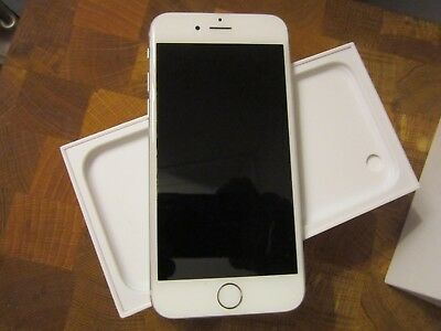 APPLE IPHONE 6 IN EXCELLENT CONDITION.    SILVER - 16gb - EE