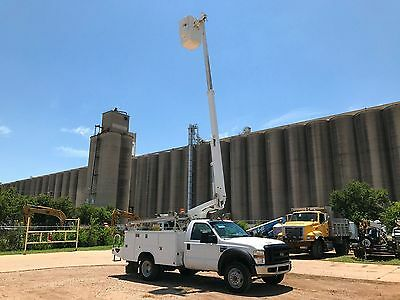 Ford F450 Bucket Truck Altec Diesel Low Miles Man Lift Runs Great Under Cdl A/c