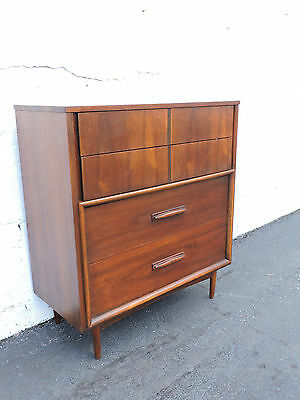 Mid-Century Modern Walnut Chest of Drawers 7602