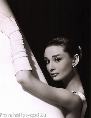 AUDREY HEPBURN FUNNY FACE 8x10 PHOTO