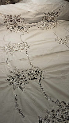 Beautiful Large White table cloth 250x180cm