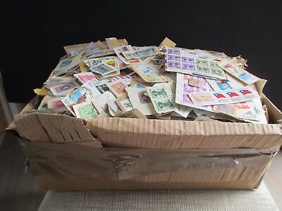 Box Of World Clippings  - All Periods -  Substantial Inc Vintage