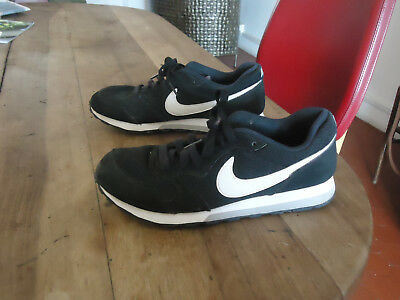 Baskets noires NIKE taille 38