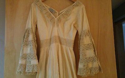 Amazing Boho vintage wedding dress hippie lace flowers in your hair