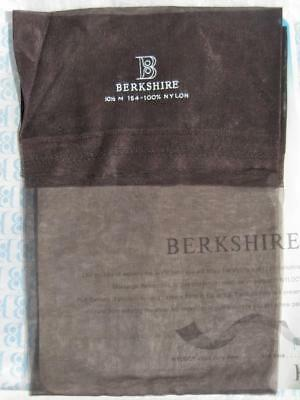 1 Pair Vintage Berkshire Seamless RT  Nylon Stockings Size 10 ½ New in Wrapper