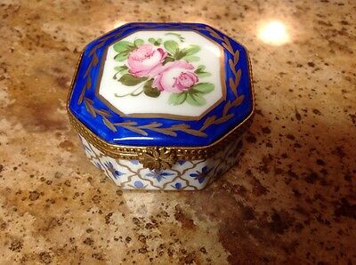 Vintage Miniature Limoges Hindged Trinket Box~ Roses~J D France