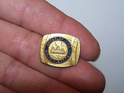 Vintage pin from the Order Of The Golden Barrel Heilman's LaCrosse WI Wis beer