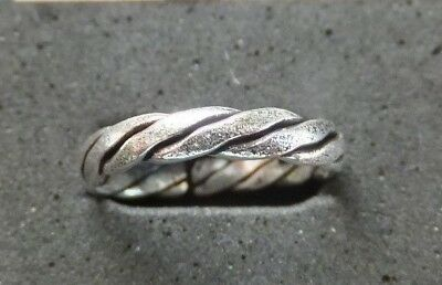 SOLID SILVER TOE RING *BN* good quality, sturdy ring *African Style*