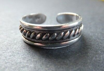 SOLID SILVER TOE RING *BN* good quality, sturdy ring *Great Design*