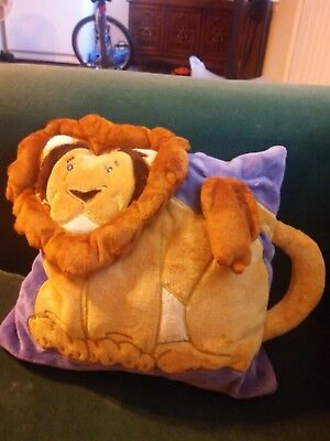 nursery lion mini pillow