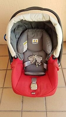Peg-Perego Primo Viaggio SIP Car Seat with Two Bases