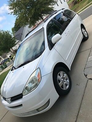 2004 Toyota Sienna XLE 2004 Toyota Sienna XLE ,Extra pedals on Right for POB postal vehicle use