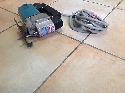MAKITA HEAVY DUTY JAPANESE JIG SAW MODEL 4300BV(can post)