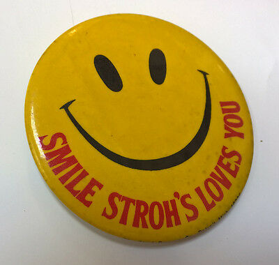 """SMILE STROH'S LOVES YOU vintage PIN badge 3"""" PINBACK BUTTON Beer Promo RARE"""