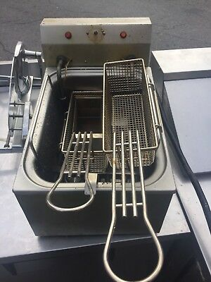 Cecilware Countertop Electric Deep Fryer Commercial / Heavy Duty w/ 2 Baskets
