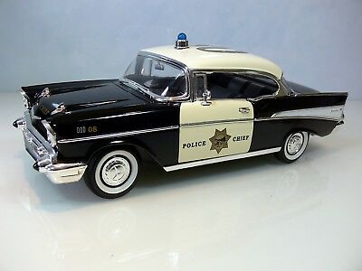Modellauto ROADLEGENDS 92108 * CHEVROLET BEL AIR POLICE CHIEF 08 *1957 * 1:18 *