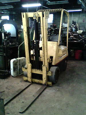 Hyster 3000 lb Forklift ( Won't Start )  Model S30A 1969yr