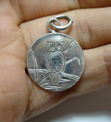 Beautiful Antique Victorian Silver Owl Pendant Disc Charm For A Bracelet (B4)
