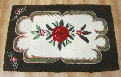Farm House PA Amish Mennonite Floral HOOK Rug Vintage 47 x 31