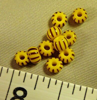 (10) Huron Indian False Chevron Glass Trade Beads 150+ Years Old Black/Yellow