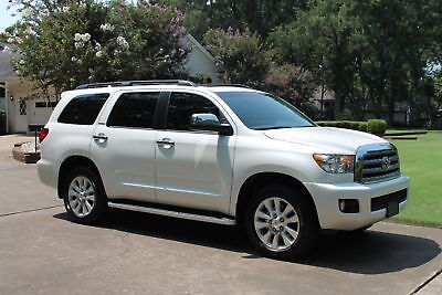 2016 Toyota Sequoia Platinum 4WD One Owner Perfect Carfax Navigation TV/DVD 20's Heated and Cooled Seats