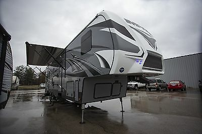 Final Clearance 2017 Impact 351 Fifth Wheel Toy Hauler 12Ft Garage Loft Rv