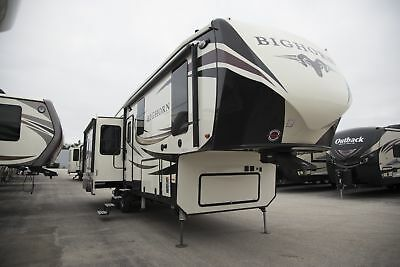 2018 Heartland Bighorn 3270RS Fifth Wheel Rear Living 1000 Miles Free Shipping