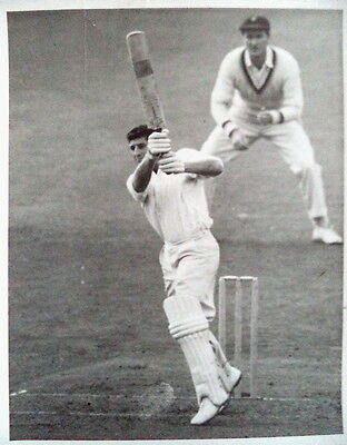 KEN BARRINGTON BATTING SURREY v NOTTS AT THE OVAL 1961