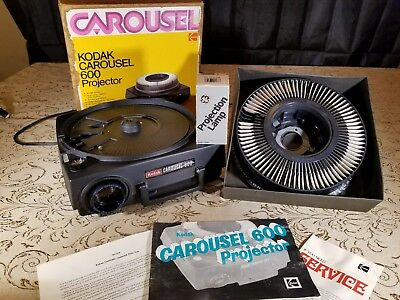 Vintage Kodak Carousel 600 Slide Projector w/box and & manuals & extra bulb