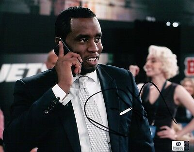 P Diddy Hand Signed Autographed 8X10 Photo Sexy Puff Daddy on Phone GA769329