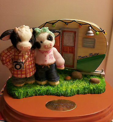 "ENESCO, MARY'S MOO MOOS ""Wheel Be Happy Anywhere!"" Figurine (NIB)!!!"