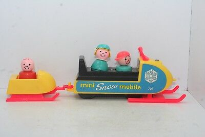 Vintage 1970 Fisher Price Little People Mini Snow Mobile #705 w/ 3 Wooden People